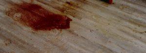 Eine Blutlache, angetrocknet